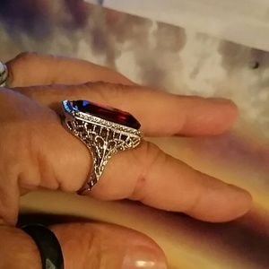 Jewelry - Ruby ring - size 10
